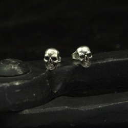 Stud Earrings Skulinger