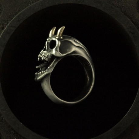 Skull Ring with horns of gold. Exceptional, exclusive. Silver Biker Ring as Biker Jewelry and Rocker Jewelery