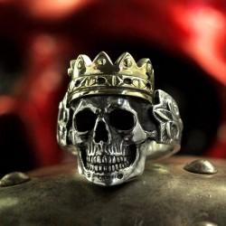 Silber Totenkopfring mit Krone. Gross, massiv, anatomisch korrekt, speziell. Biker Ring, Bikerschmuck, Skull