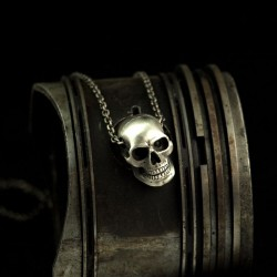 Gazer - Small skull with necklace. Anatomically correct. Silver necklace as biker jewelry and rocker jewelry