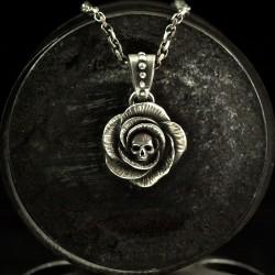 Rose - Kettenanhänger Rose mit Totenschädel. Massiv, handgefertigt 935 Silber - Rose Anhänger Bikerschmuck Rocker Schmuck