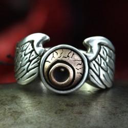 Biker Ring mit Von Dutch Logo - Symbol für Custom Paint & Pinstriping der Bikerszene. Ring mit Flügeln, Biker Ring, Bikerschmuck