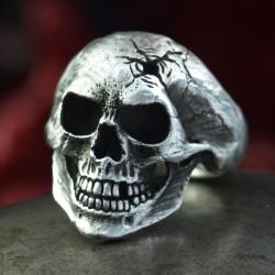 Omega Rotten - klassischer anatomisch korrekter Totenkopf Ring mit Spezial Finish! Biker Ring Bikerschmuck Rocker Schmuck