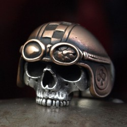 Silver skull ring with helmet and history. Anatomically correct, special. Biker Rings, Biker Jewelry, Skull