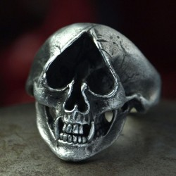 Silver Skull Ring with Ace of Spades as eye and fangs. Biker Ring, Biker Jewelry, Rocker Jewelry
